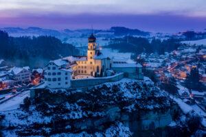 Kloster Werthenstein im Luzerner Hinterland in einer Luftaufnahme